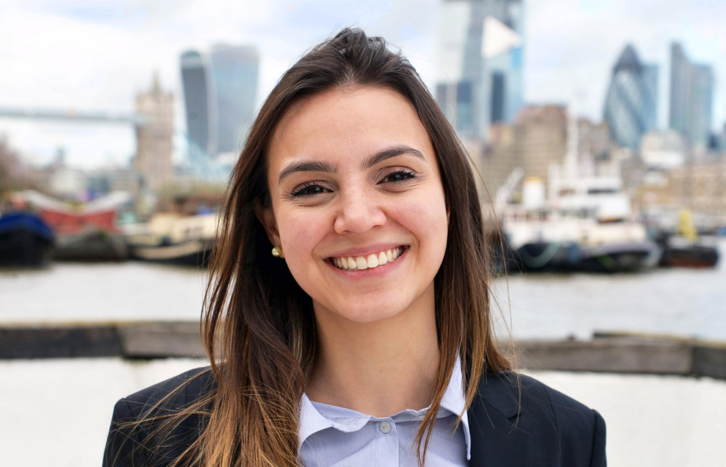 Rebeca De Alvarenga Campos
